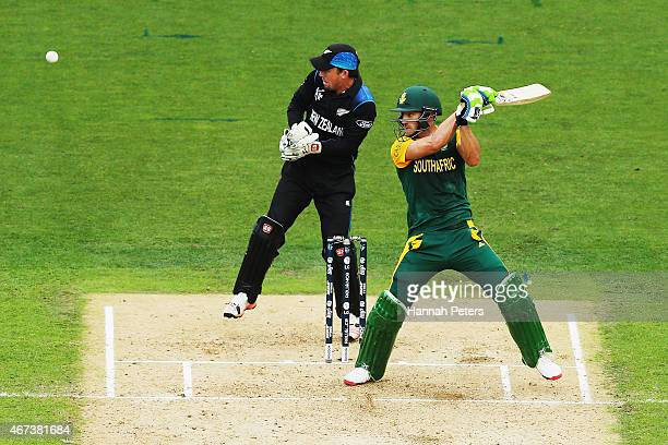 Francois du Plessis of South Africa cuts the ball away for four runs during the 2015 Cricket World Cup Semi Final match between New Zealand and South...