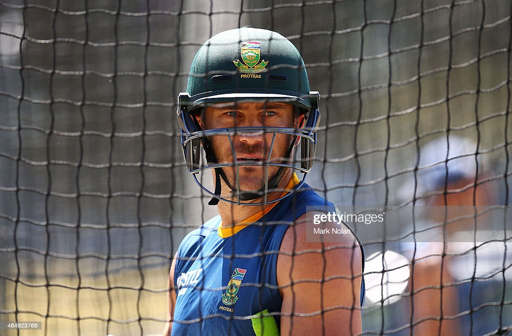 <a gi-track='captionPersonalityLinkClicked' href=/galleries/search?phrase=Francois+du+Plessis&family=editorial&specificpeople=5411977 ng-click='$event.stopPropagation()'>Francois du Plessis</a> prepares for batting practice during a South Africa nets session at Manuka Oval on March 2, 2015 in Canberra, Australia.