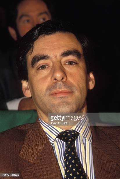 Francois Fillon ministre de l'Enseignement superieur et de la Recherche en visite a Nantes le 11 fevrier 1994 a Nantes France