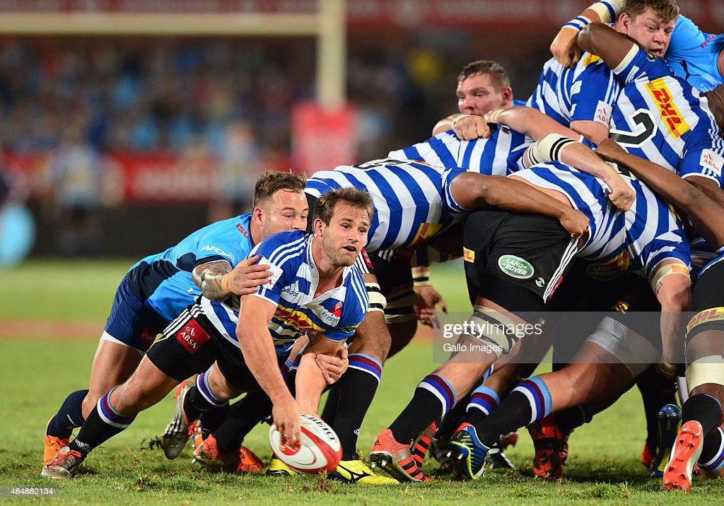 Francois Hougaard of the Blue Bulls and Nic Groom of Western Province during the Absa Currie Cup match between Vodacom Blue Bulls and DHL Western...