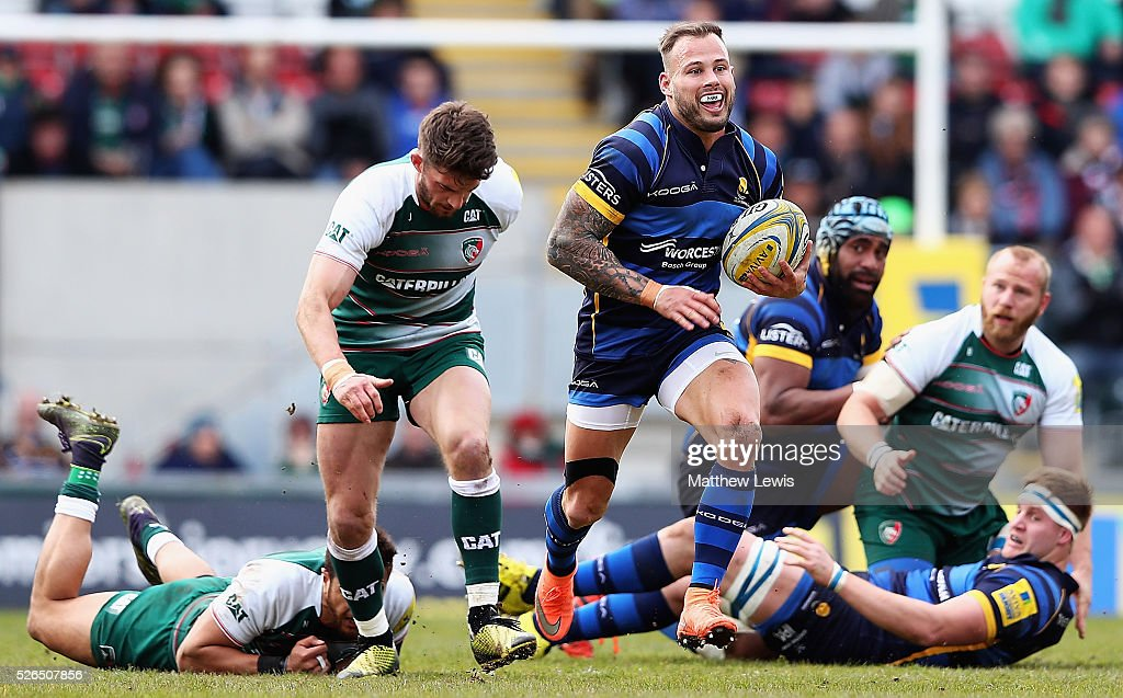 Francois Hougaard of Worcester Warriors makes a break during the Aviva Premiership match between Leicester Tigers and Worcester Warriors at Welford Road on April 30, 2016 in Leicester, England.