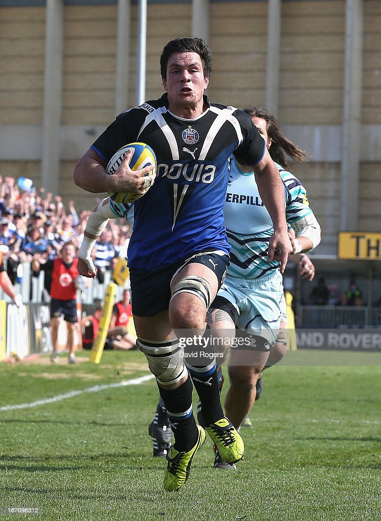 <a gi-track='captionPersonalityLinkClicked' href=/galleries/search?phrase=Francois+Louw&family=editorial&specificpeople=4389467 ng-click='$event.stopPropagation()'>Francois Louw</a> of Bath breaks clear to score the late match winning try during the Aviva Premiership match between Bath and Leicester Tigers at the Recreation Ground on April 20, 2013 in Bath, England.
