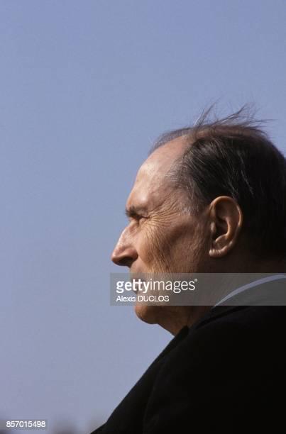 Francois Mitterrand au 75 anniversaire de la bataille de Vimy le 9 avril 1992 a Vimy France