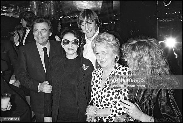 Francois Perrier singer Barbara Gerard Depardieu and Jacqueline Maillan at a party Paris