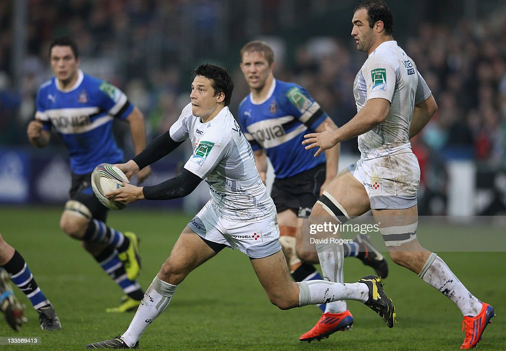 <a gi-track='captionPersonalityLinkClicked' href=/galleries/search?phrase=Francois+Trinh-Duc&family=editorial&specificpeople=4209248 ng-click='$event.stopPropagation()'>Francois Trinh-Duc</a> of Montpellier passes the ball during the Heineken Cup match between Bath and Montpellier at the Recreation Ground on November 20, 2011 in Bath, United Kingdom.