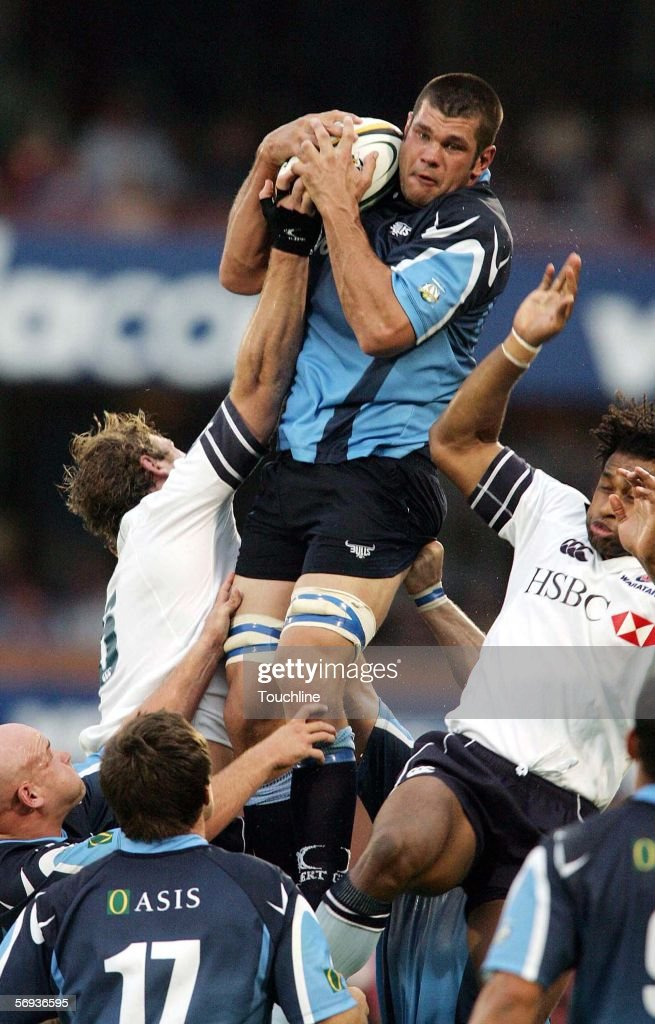 Francois van Schouwenburg of the Bulls wins a lineout ball during the round 3 Super 14 match between the Vodacom Bulls and the NSW Waratahs at Loftus...