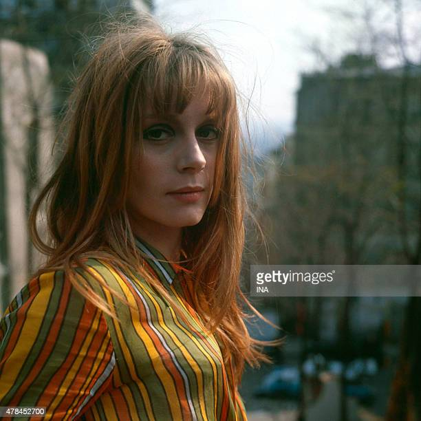 Francoise Dorleac during the shooting of the program ''Neither fig nor grape'' realized by Pierre Koralnik