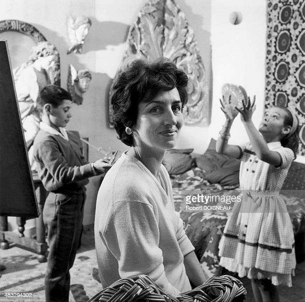 Francoise Gilot Picasso's wife and their kids