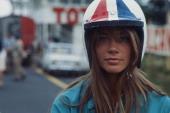 Francoise Hardy Playing In The Film 'Grand Prix' Dans son troisième film Françoise HARDY joue une beatnik amoureuse d'un pilote automobile italien...