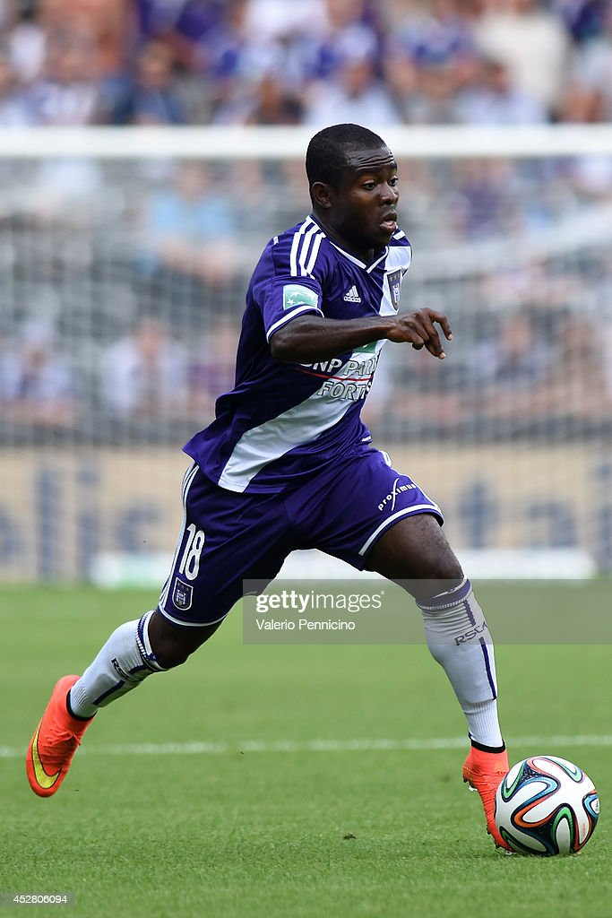 Frank Acheampong of RSC Anderlecht in action during the Jupiler Pro League match between RSC Anderlecht and Royal Mouscron Peruwelz at Constant...