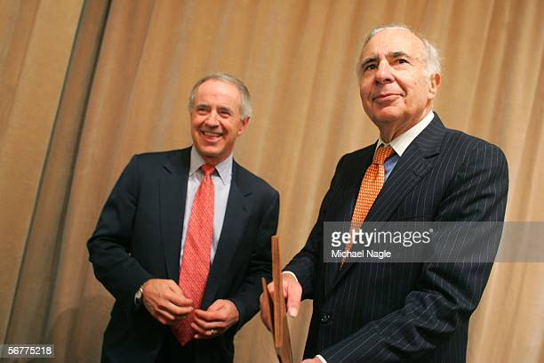 Frank Biondi former chief executive of Viacom's Universal Studios and Time Warner's HBO and Carl Icahn pose for pictures before a media conference...