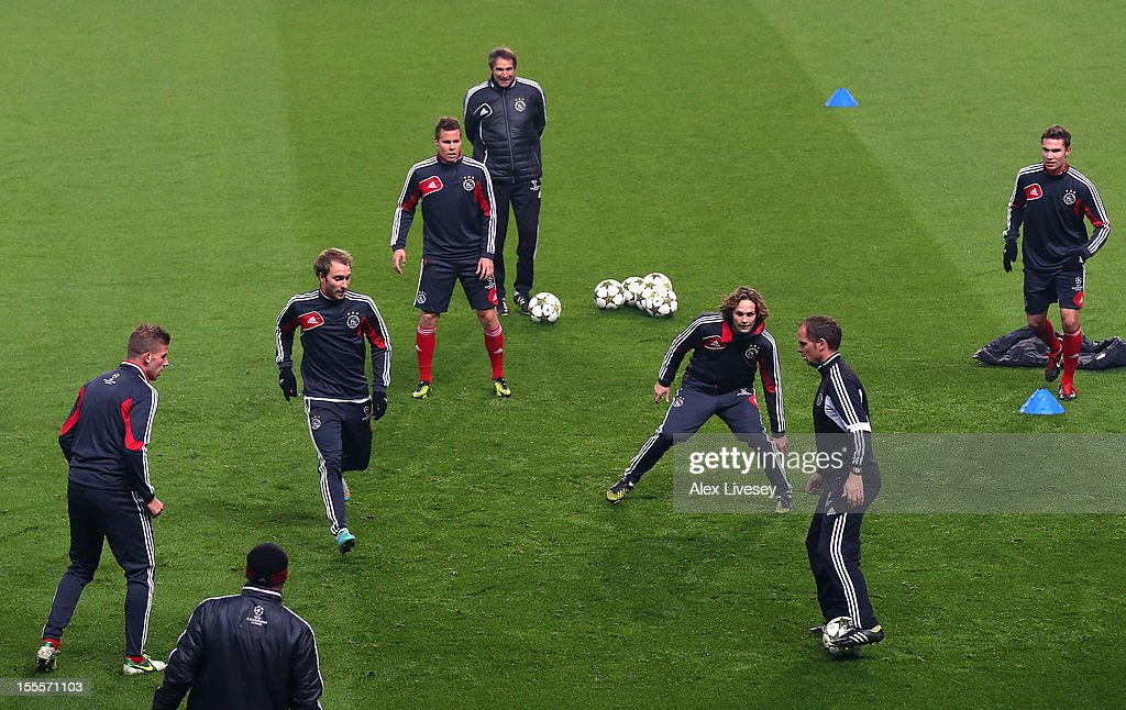 <a gi-track='captionPersonalityLinkClicked' href=/galleries/search?phrase=Frank+De+Boer&family=editorial&specificpeople=1006742 ng-click='$event.stopPropagation()'>Frank De Boer</a> the coach of Ajax Amsterdam controls the ball during a training session at Etihad Stadium on November 5, 2012 in Manchester, England.