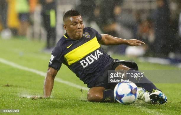 Frank Fabra of Boca Juniors controls the ball during a match between Velez Sarsfield and Boca Juniors as part of Torneo Primera Division 2016/17 at...