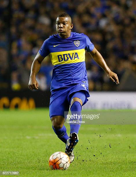 Frank Fabra of Boca Juniors drives the ball during a match between Boca Juniors and Deportivo Cali as part of Copa Bridgestone Libertadores 2016 at...