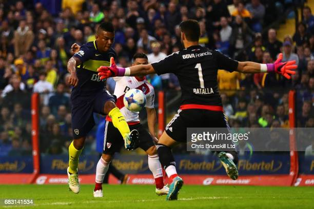 Frank Fabra of Boca Juniors is denied by Augusto Batalla of River Plate during the Torneo Primera Division match between Boca Juniors and River Plate...