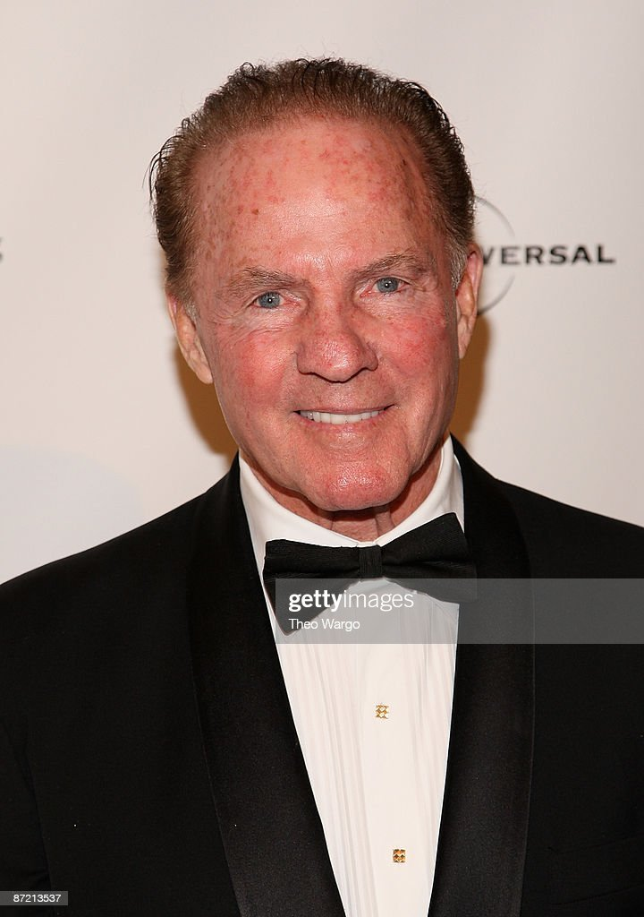 <a gi-track='captionPersonalityLinkClicked' href=/galleries/search?phrase=Frank+Gifford&family=editorial&specificpeople=214258 ng-click='$event.stopPropagation()'>Frank Gifford</a> attends the Society of Memorial Sloan Kettering's 2nd annual Spring Ball at The Plaza Hotel on May 13, 2009 in New York City.
