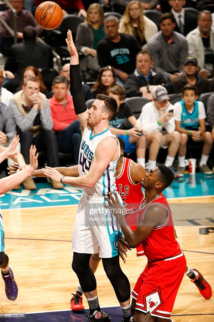 <a gi-track='captionPersonalityLinkClicked' href=/galleries/search?phrase=Frank+Kaminsky&family=editorial&specificpeople=8685398 ng-click='$event.stopPropagation()'>Frank Kaminsky</a> #44 of the Charlotte Hornets shoots against the Chicago Bulls during the game at the Time Warner Cable Arena on February 06, 2016 in Charlotte, North Carolina.