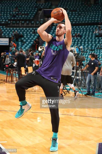 Frank Kaminsky of the Charlotte Hornets warms up before the game against the Atlanta Hawks on October 20 2017 at Spectrum Center in Charlotte North...
