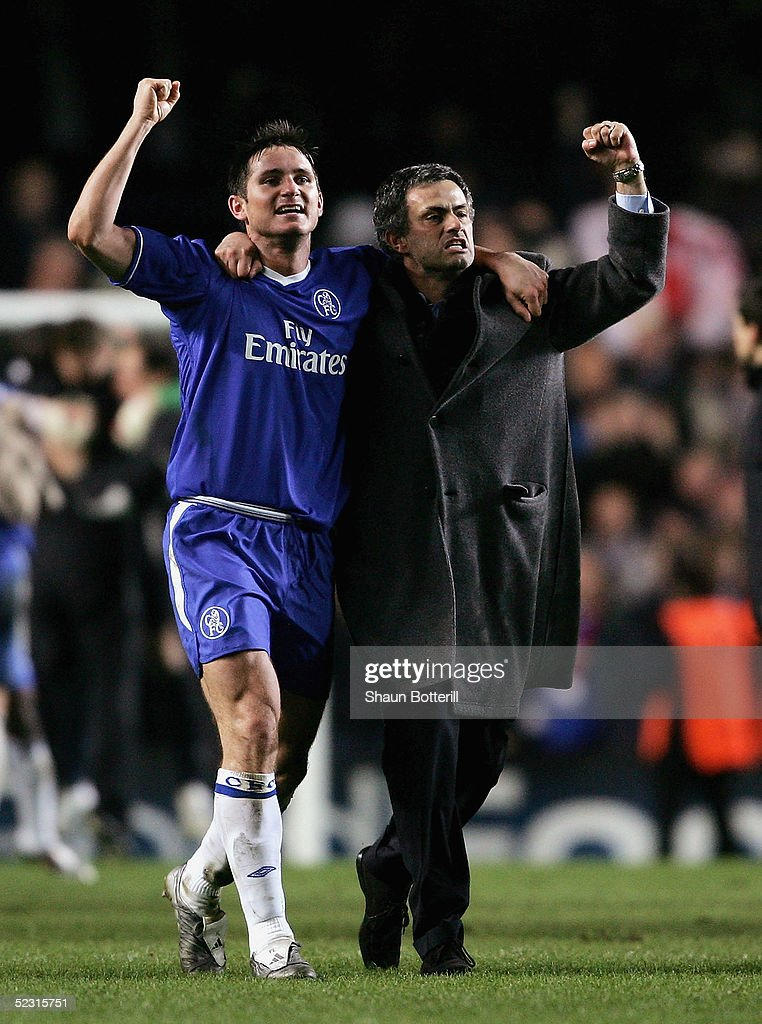 Frank Lampard and Jose Mourinho of Chelsea celebrate victory at the end of the UEFA Champions League First Knockout Round Second Leg match between...