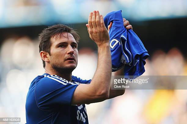Frank Lampard of Chelsea acknowledges the crowd following the Barclays Premier League match between Chelsea and Norwich City at Stamford Bridge on...