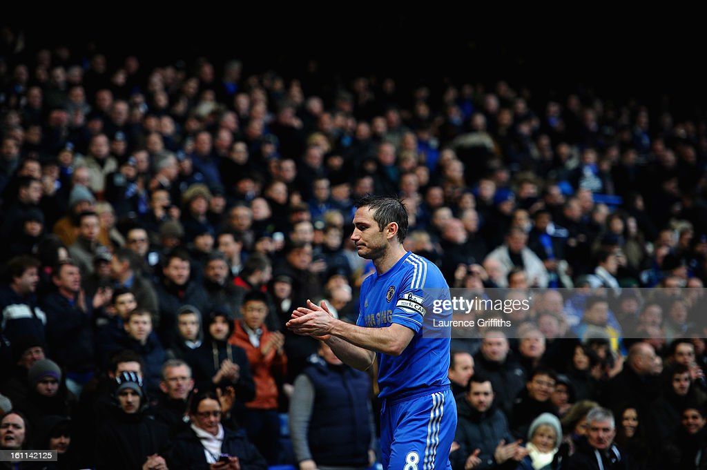 <a gi-track='captionPersonalityLinkClicked' href=/galleries/search?phrase=Frank+Lampard+-+Jahrgang+1978&family=editorial&specificpeople=11497645 ng-click='$event.stopPropagation()'>Frank Lampard</a> of Chelsea applauds the fans during the Barclays Premier League match between Chelsea and Wigan Athletic at Stamford Bridge on February 9, 2013 in London, England.