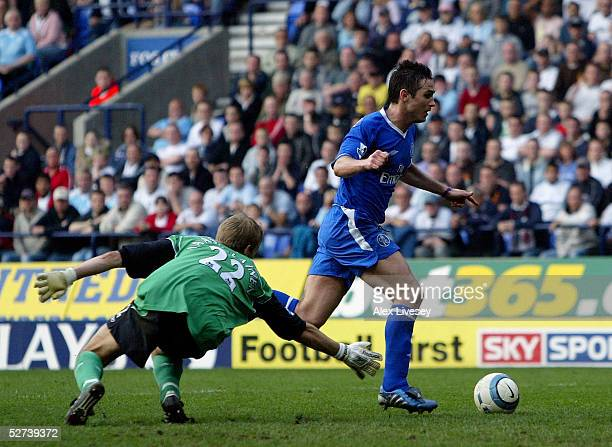 Frank Lampard of Chelsea beats Jussi Jaaskelainen of Bolton to score the second goal during the Barclays Premiership match between Bolton Wanderers...