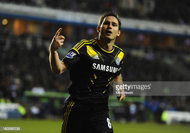 Frank Lampard of Chelsea celebrates his goal during the Barclays Premier League match between Reading and Chelsea at Madejski Stadium on January 30...