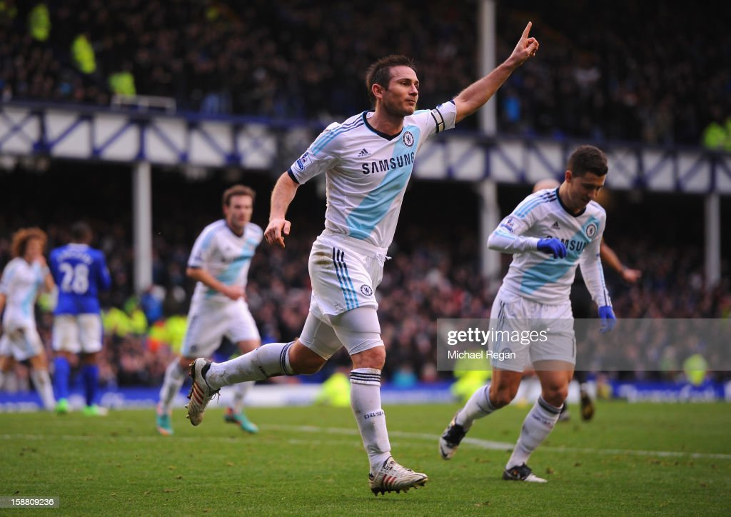 Frank Lampard of Chelsea celebrates scoring his team's first goal to make the score 1-1 during the Barclays Premier League match between Everton and Chelsea at Goodison Park on December 30, 2012 in Liverpool, England.