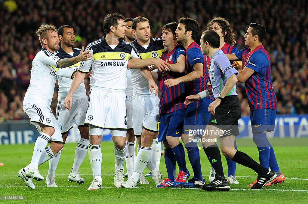 Frank Lampard of Chelsea clashes with Cesc Fabregas of Barcelona during the UEFA Champions League Semi Final, second leg match between FC Barcelona and Chelsea FC at Camp Nou on April 24, 2012 in Barcelona, Spain.