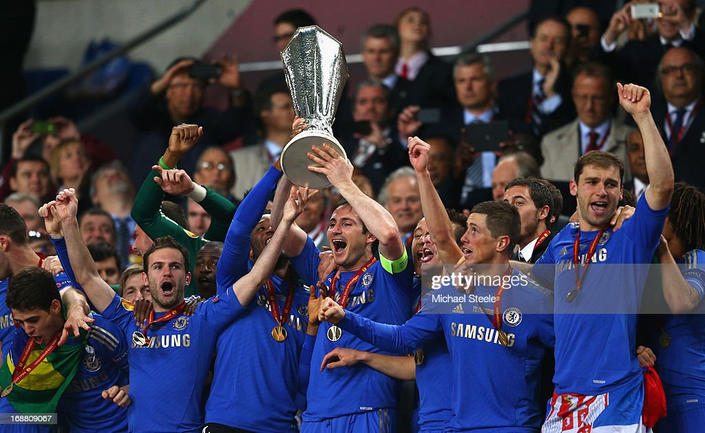 Frank Lampard of Chelsea lifts the trophy during the UEFA Europa League Final between SL Benfica and Chelsea FC at Amsterdam Arena on May 15, 2013 in Amsterdam, Netherlands.