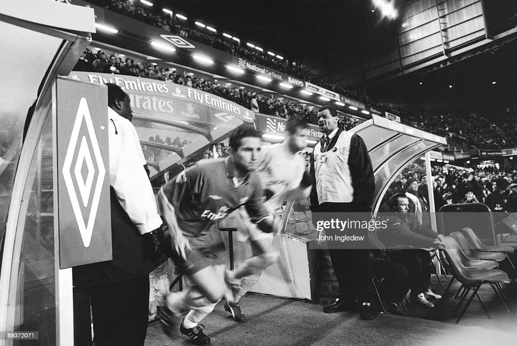 Frank Lampard of Chelsea runs out the tunnel before the FA Barclaycard Premiership match between Chelsea and Leeds United held on January 28, 2003 at Stamford Bridge, in London. Chelsea won the match 3-2.