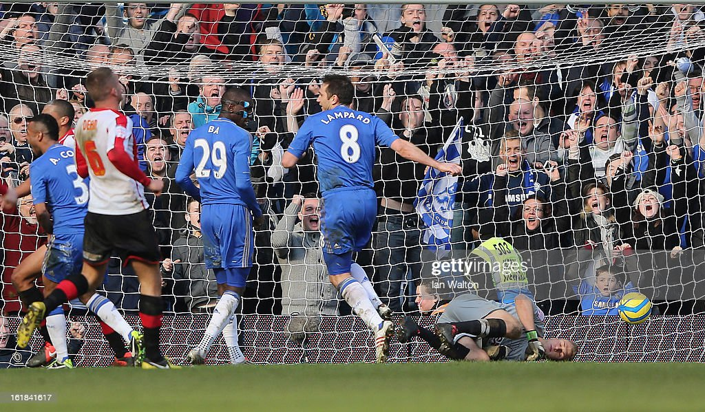 Frank Lampard of Chelsea scores a goal during the FA Cup Fourth Round Replay match between Chelsea and Brentford at Stamford Bridge on February 17, 2013 in London, England.