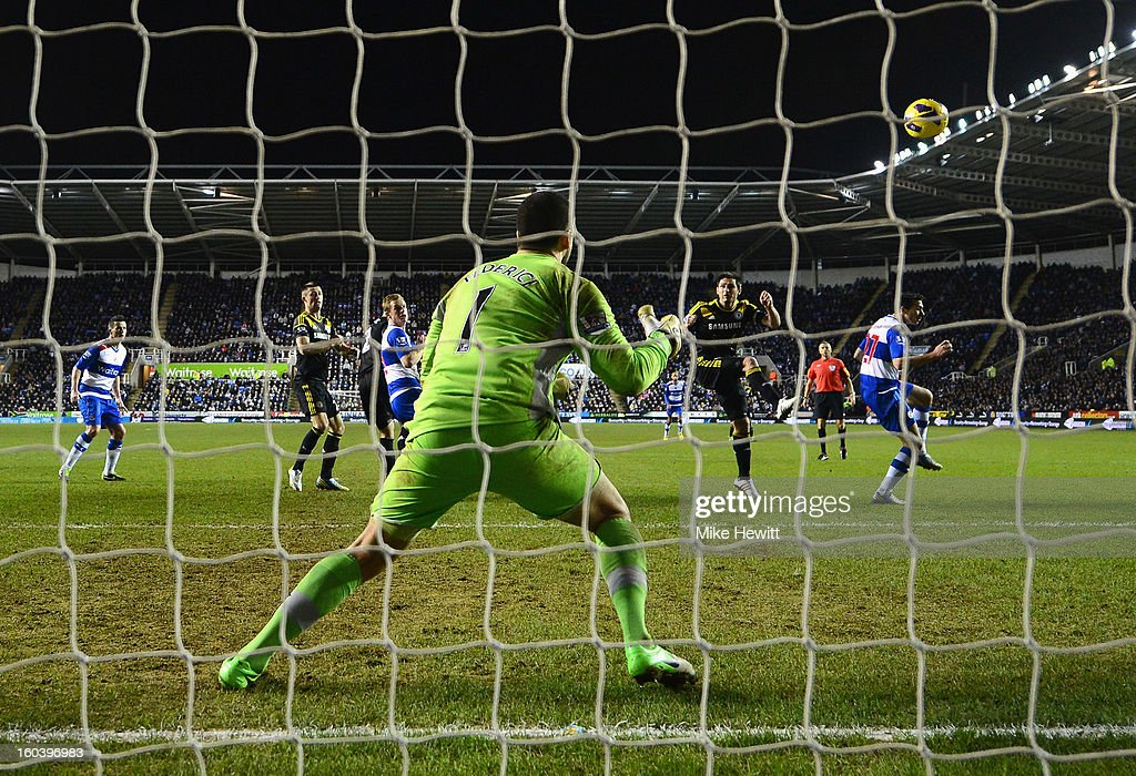 Frank Lampard of Chelsea scores his goal with a header during the Barclays Premier League match between Reading and Chelsea at Madejski Stadium on January 30, 2013 in Reading, England.