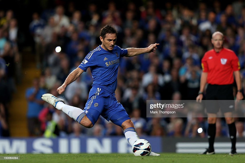 <a gi-track='captionPersonalityLinkClicked' href=/galleries/search?phrase=Frank+Lampard+-+Born+1978&family=editorial&specificpeople=11497645 ng-click='$event.stopPropagation()'>Frank Lampard</a> of Chelsea scores the opening goal from the penalty spot during the Barclays Premier League match between Chelsea and Reading at Stamford Bridge on August 22, 2012 in London, England.