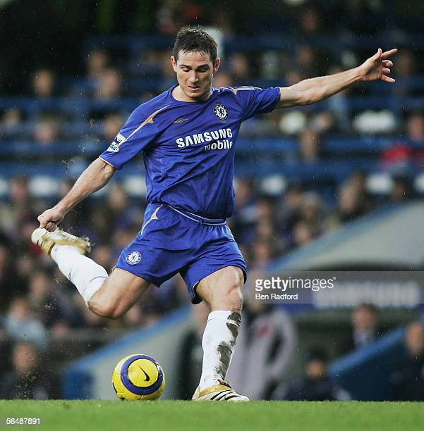 Frank Lampard of Chelsea shoots and scores the second goal during the Barclays Premiership match between Chelsea and Fulham at Stamford Bridge on...