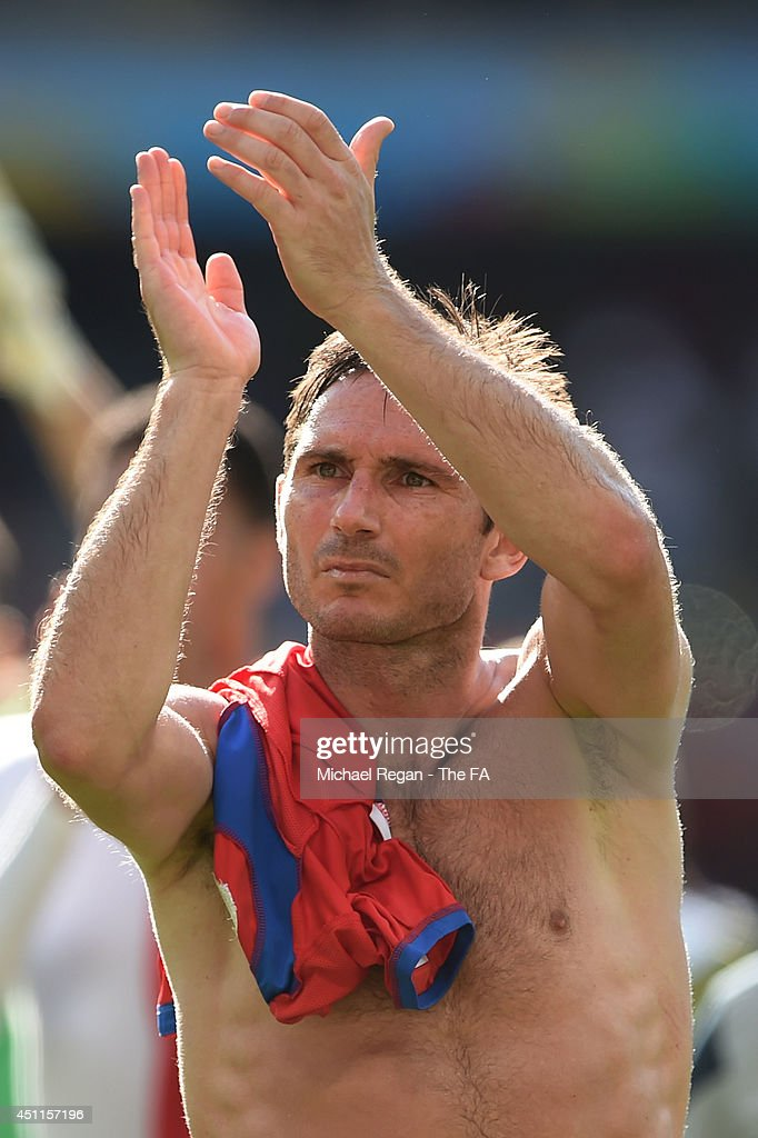 Frank Lampard of England acknowledges the fans after a 00 draw during the 2014 FIFA World Cup Brazil Group D match between Costa Rica and England at...