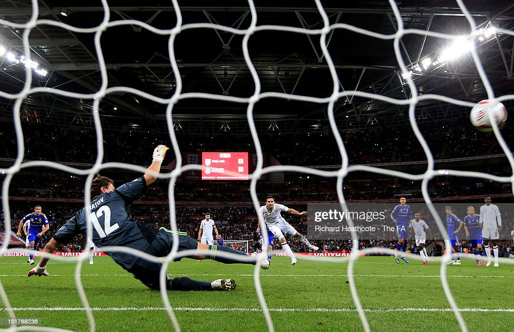 Frank Lampard of England scores from the penalty spot to level the scores at 1-1 during the FIFA 2014 World Cup qualifier group H match between England and Ukraine at Wembley Stadium on September 11, 2012 in London, England.
