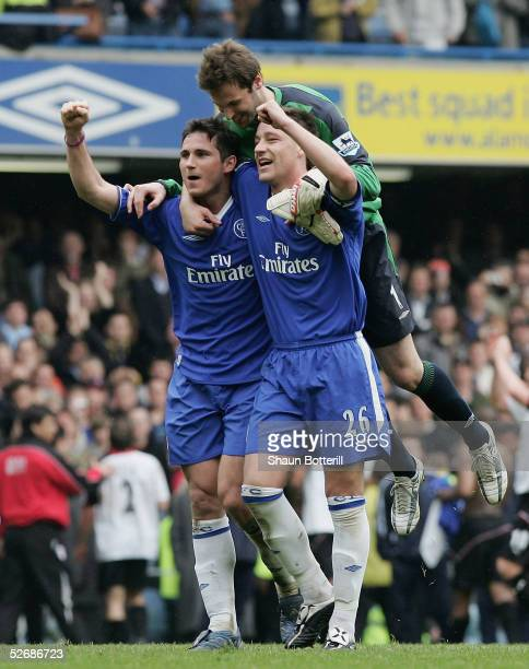 Frank Lampard Peter Cech and John Terry of Chelsea celebrate the win after the Barclays Premiership match between Chelsea and Fulham at Stamford...