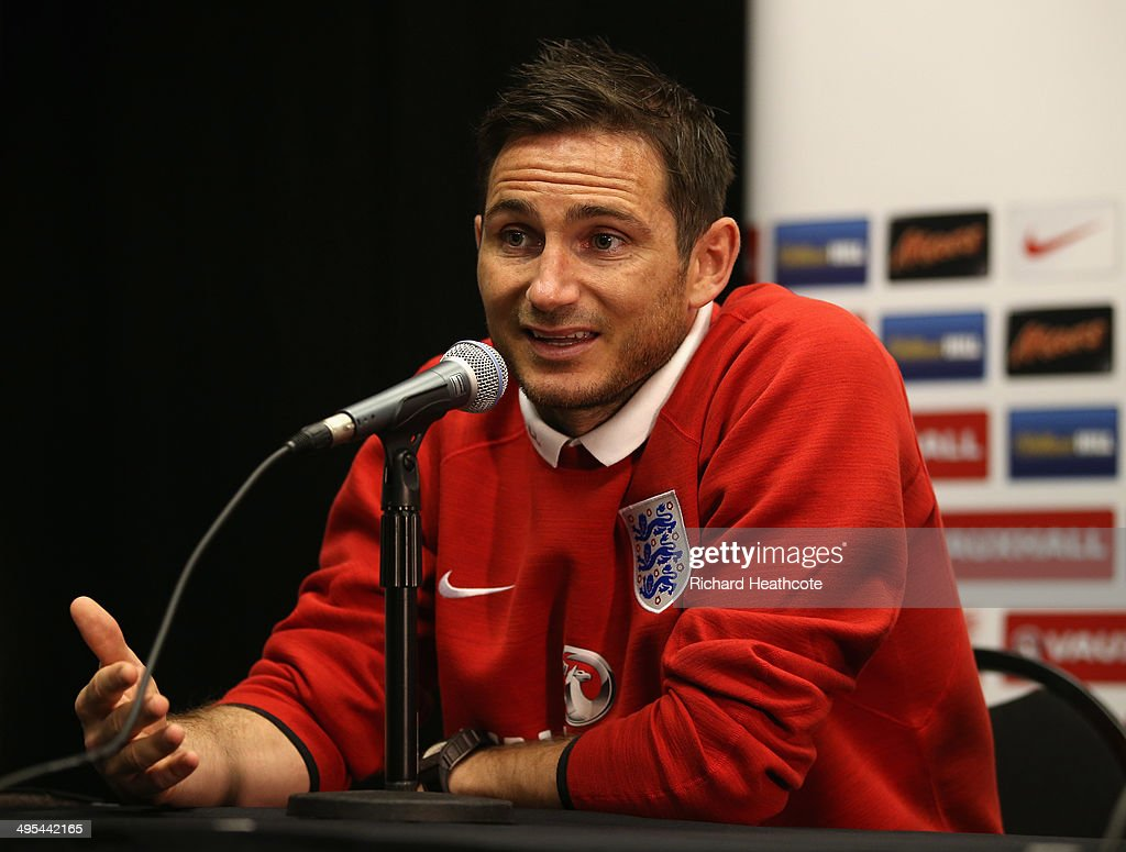 <a gi-track='captionPersonalityLinkClicked' href=/galleries/search?phrase=Frank+Lampard+-+Born+1978&family=editorial&specificpeople=11497645 ng-click='$event.stopPropagation()'>Frank Lampard</a> talks to the media during an England press conference at The Sunlife Stadium on June 3, 2014 in Miami, Florida. England are in Florida for warm up matches ahead of the FIFA World Cup Brazil 2014