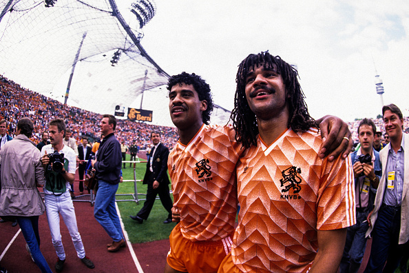 Frank Rijkaard / Ruud Gullit : News Photo