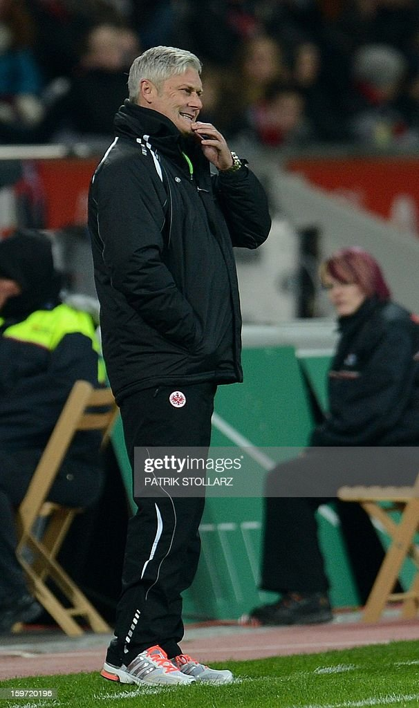 Frankfurt's head coach Armin Veh reacts during the German first division Bundesliga football match Bayer Leverkusen vs Eintracht Frankfurt in the German city of Leverkusen on January 19, 2013.