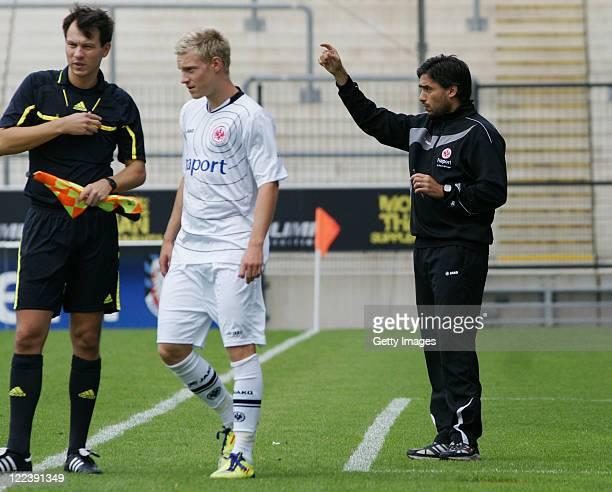 Frankfurts head coach Oscar Corrochano gives instructions during the Regionalliga match between Eintracht Frankfurt II and KSV Hessen Kassel at the...