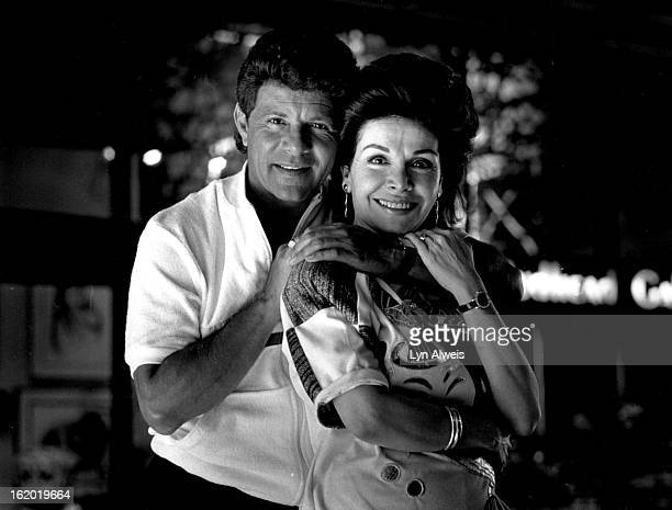 7201987 JUL 21 1987 Frankie Avalon and Annette Funicello outside the Fairmont Hotel