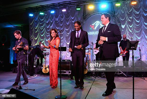 Frankie Ballard Robin Meade Landau Eugene Murphy Jr and Bob Guiney perform at the 2014 Unbridled Eve Derby Gala during the 140th Kentucky Derby at...