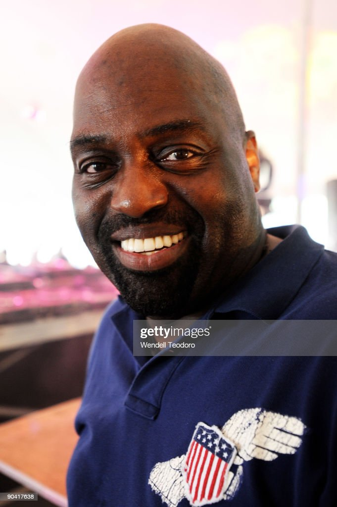 <a gi-track='captionPersonalityLinkClicked' href=/galleries/search?phrase=Frankie+Knuckles+-+House+Music+DJ&family=editorial&specificpeople=626815 ng-click='$event.stopPropagation()'>Frankie Knuckles</a> performs during day 2 of the 2009 Electric Zoo Festival on Randall's Island on September 6, 2009 in New York City.