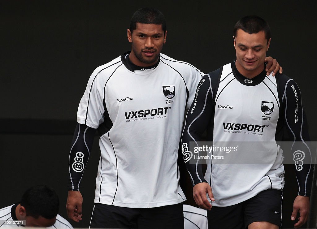 Frank-Paul Nuuausala and Sam Perrett arrive for a New Zealand Kiwis training session at North Harbour Stadium on October 11, 2010 in Auckland, New Zealand.