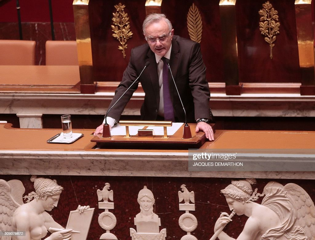 François Asensi member of left wing party the 'Gauche démocrate et républicaine' party delivers political guidelines ('Explications de vote') before a vote on the draft-law on 'protection of the Nation' at the National Assembly in Paris on February 10, 2016. French lawmakers were to vote on February 10 on a controversial package of measures to change the constitution following the terror attacks on Paris in November. / AFP / JACQUES DEMARTHON