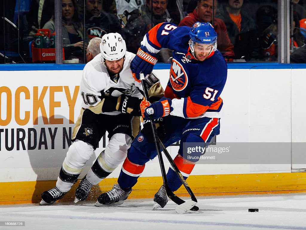 <a gi-track='captionPersonalityLinkClicked' href=/galleries/search?phrase=Frans+Nielsen&family=editorial&specificpeople=634894 ng-click='$event.stopPropagation()'>Frans Nielsen</a> #51 of the New York Islanders skates against the Pittsburgh Penguins at the Nassau Veterans Memorial Coliseum on February 5, 2013 in Uniondale, New York.