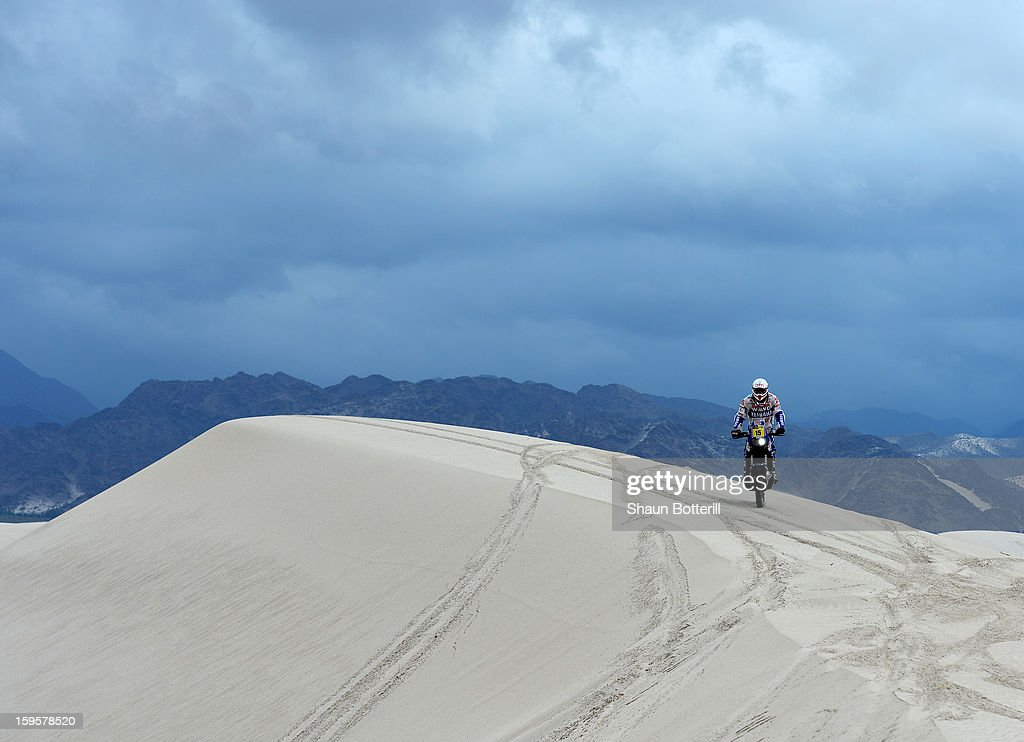 Frans Verhoeven of team Yamaha the Netherlands competes in stage 11 from La Rioja to Fiambala during the 2013 Dakar Rally on January 16, 2013 in La Rioja, Argentina.