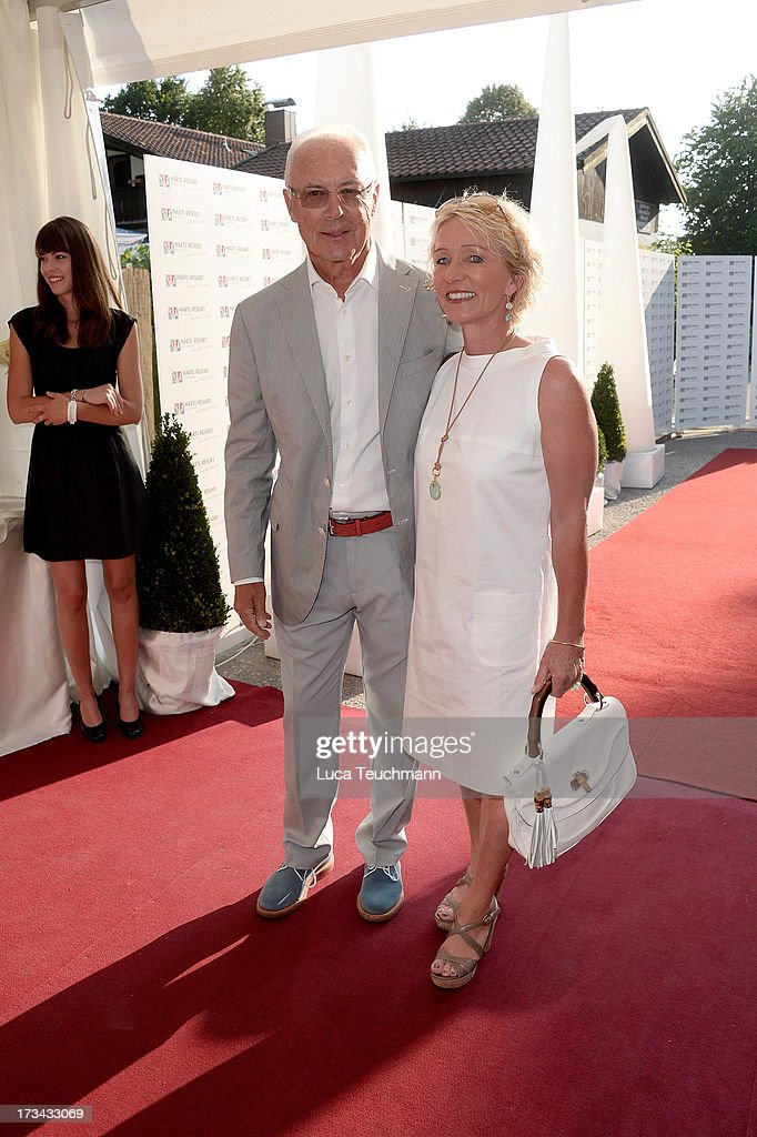 <a gi-track='captionPersonalityLinkClicked' href=/galleries/search?phrase=Franz+Beckenbauer&family=editorial&specificpeople=210545 ng-click='$event.stopPropagation()'>Franz Beckenbauer</a> and Heidi Beckenbauer attend the golf tournament 'Kaiser Cup 2013' at 'Hartl Golf-Resort' on July 13, 2013 in Bad Griesbach , Germany.
